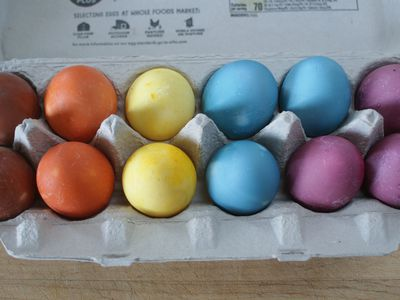 A Simple Guide To Coloring Easter Eggs