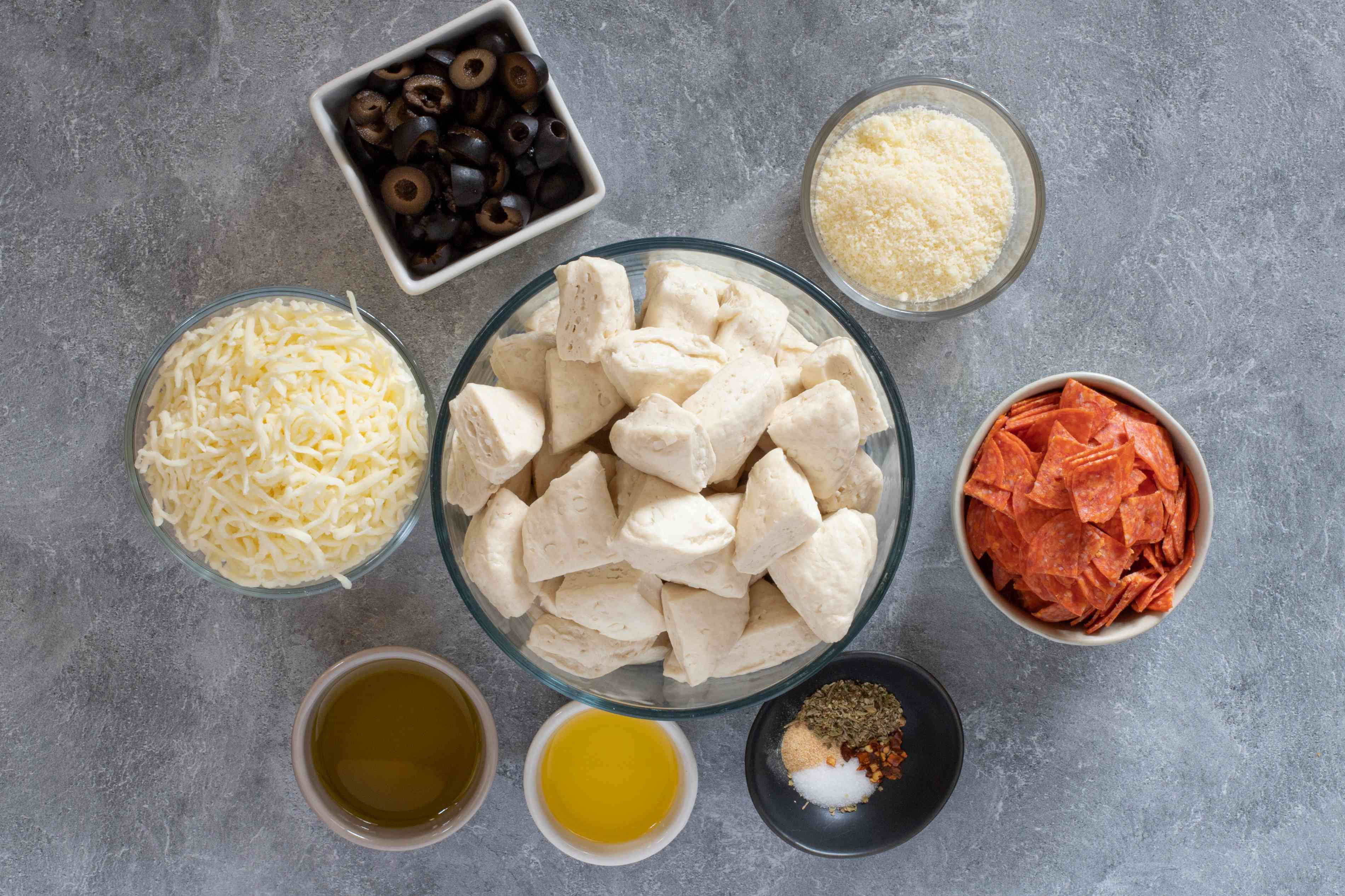ingredients for the pepperoni pizza monkey bread