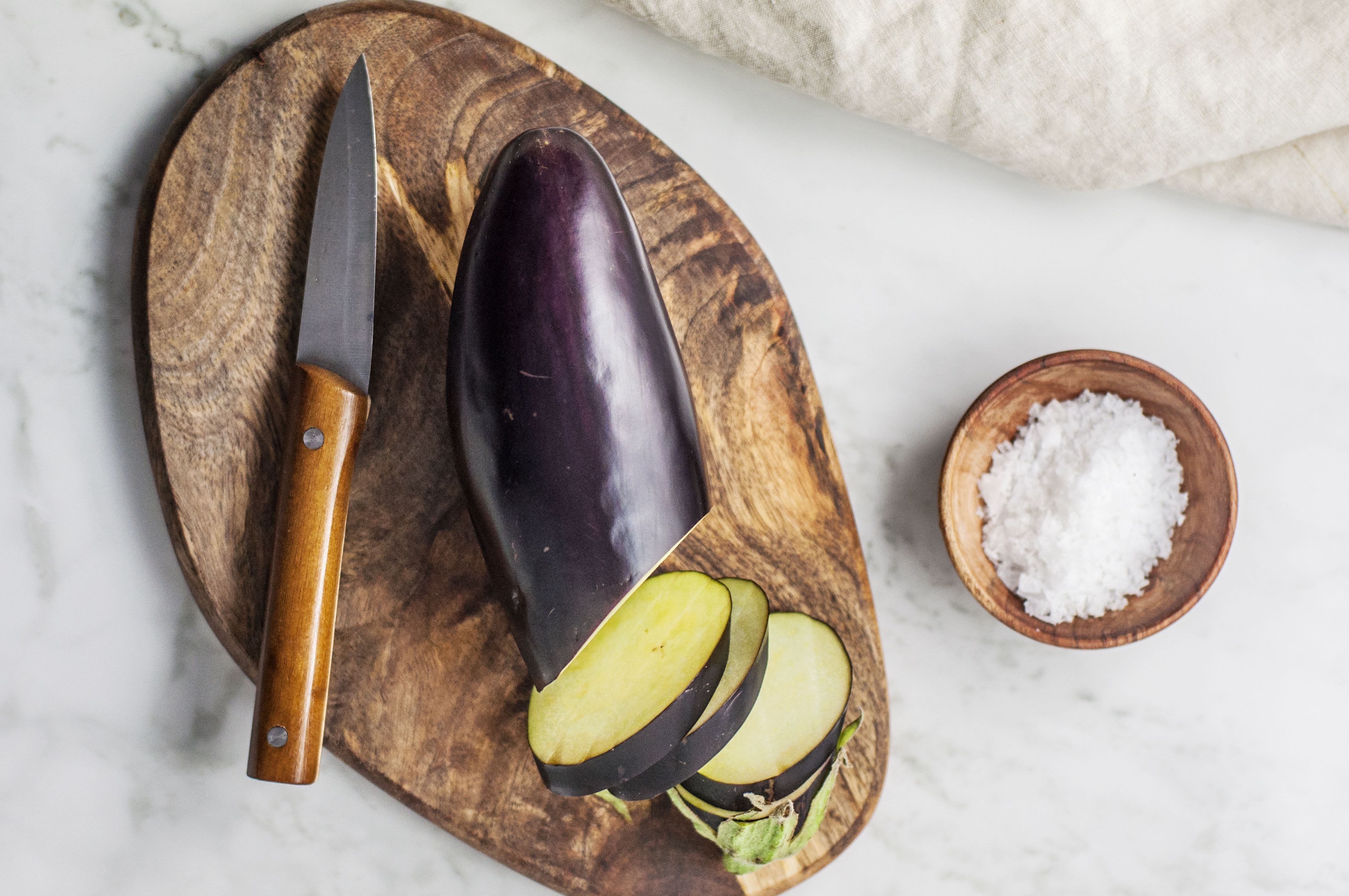 Ingredients for making baked eggplant