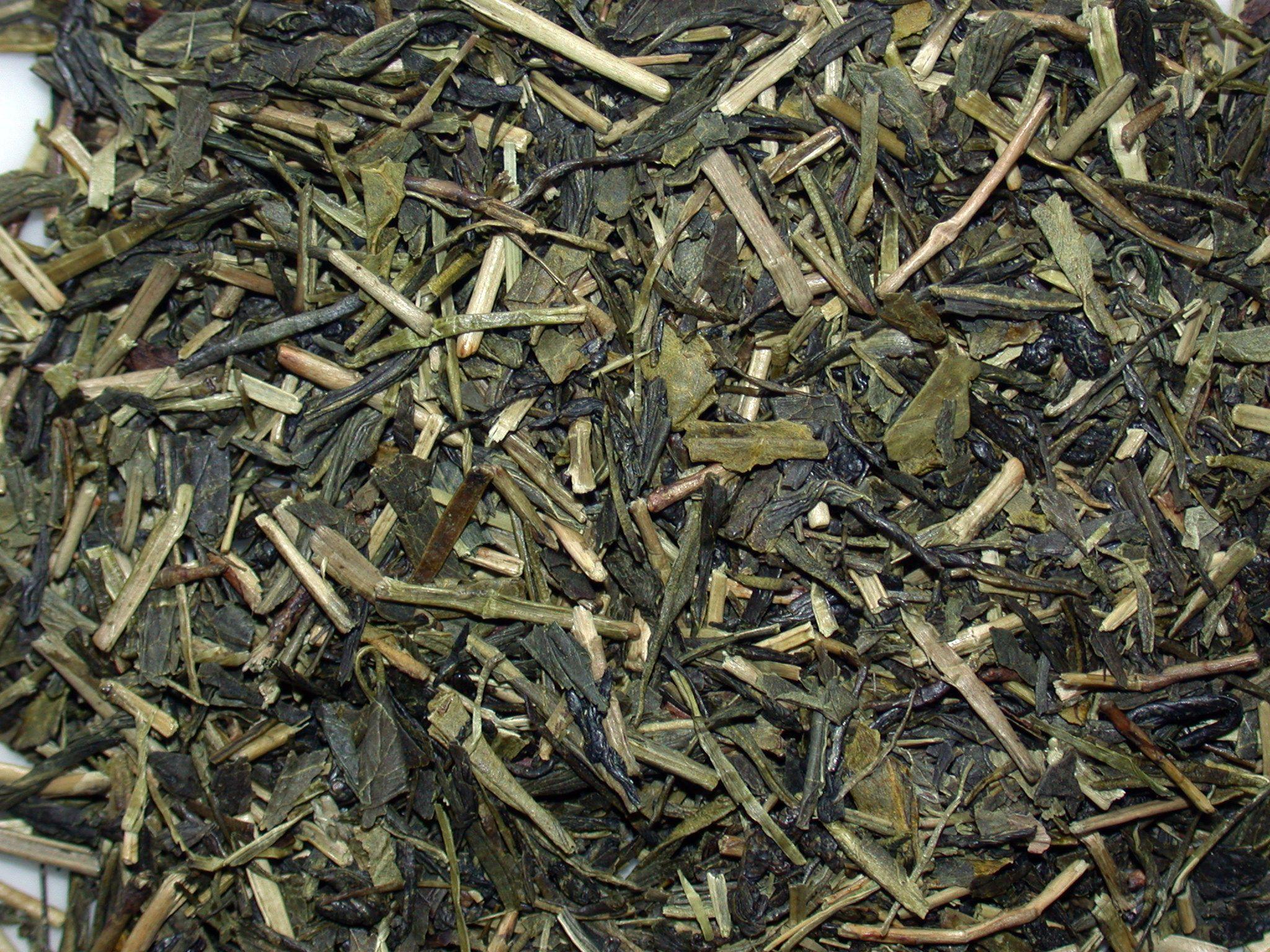 Kukicha tea leaves closeup