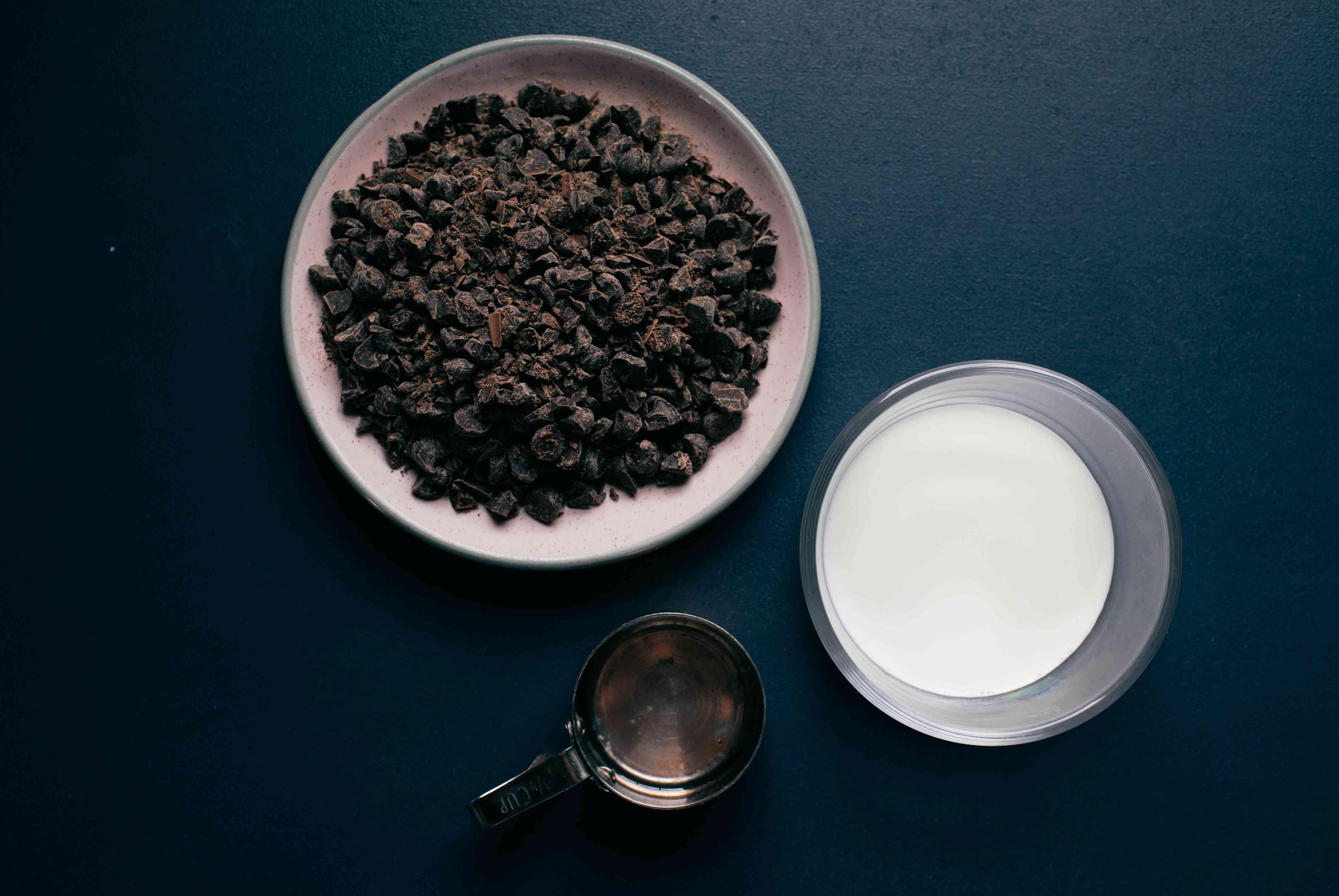 chocolate glaze for eclair cake
