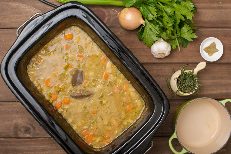 Crock Pot Vegetarian Split Pea Soup