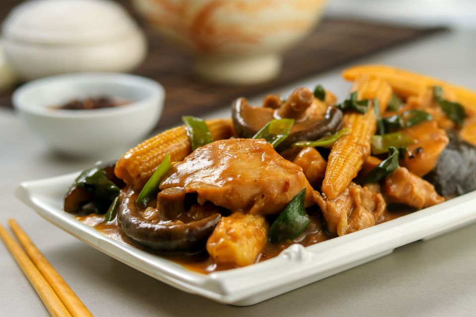 Stir fry chicken with oyster sauce