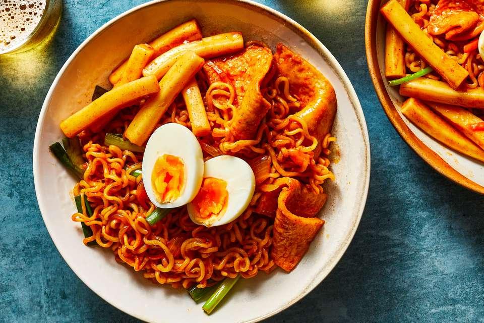 Rabokki (Ramen + Dukboki), the Ultimate Korean Street Food
