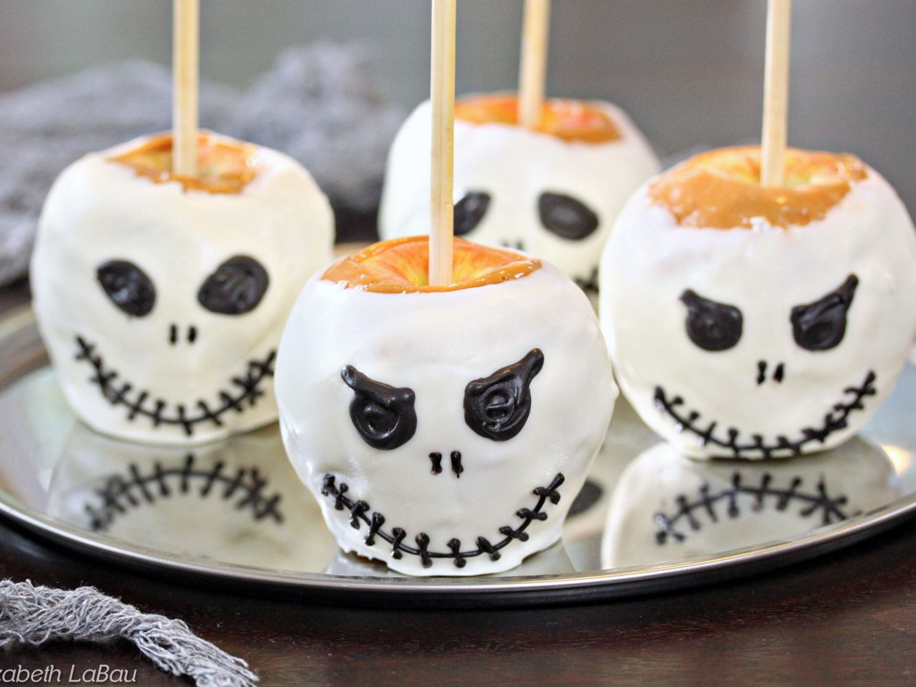 Skull Caramel Apples Recipe