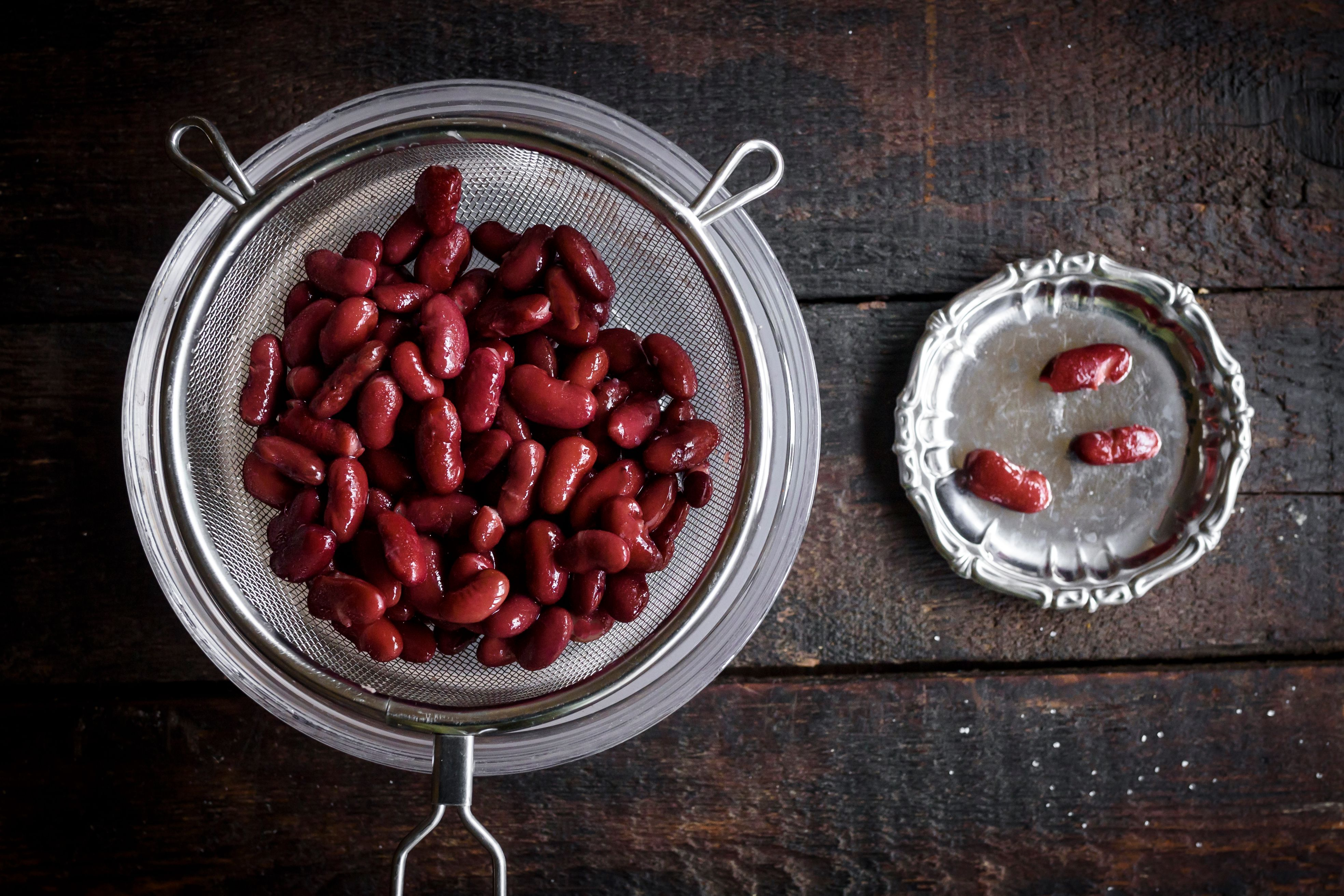 Wash the beans for Sweet red bean paste