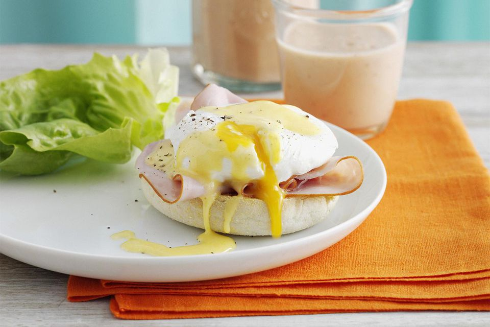 English muffin with ham and egg