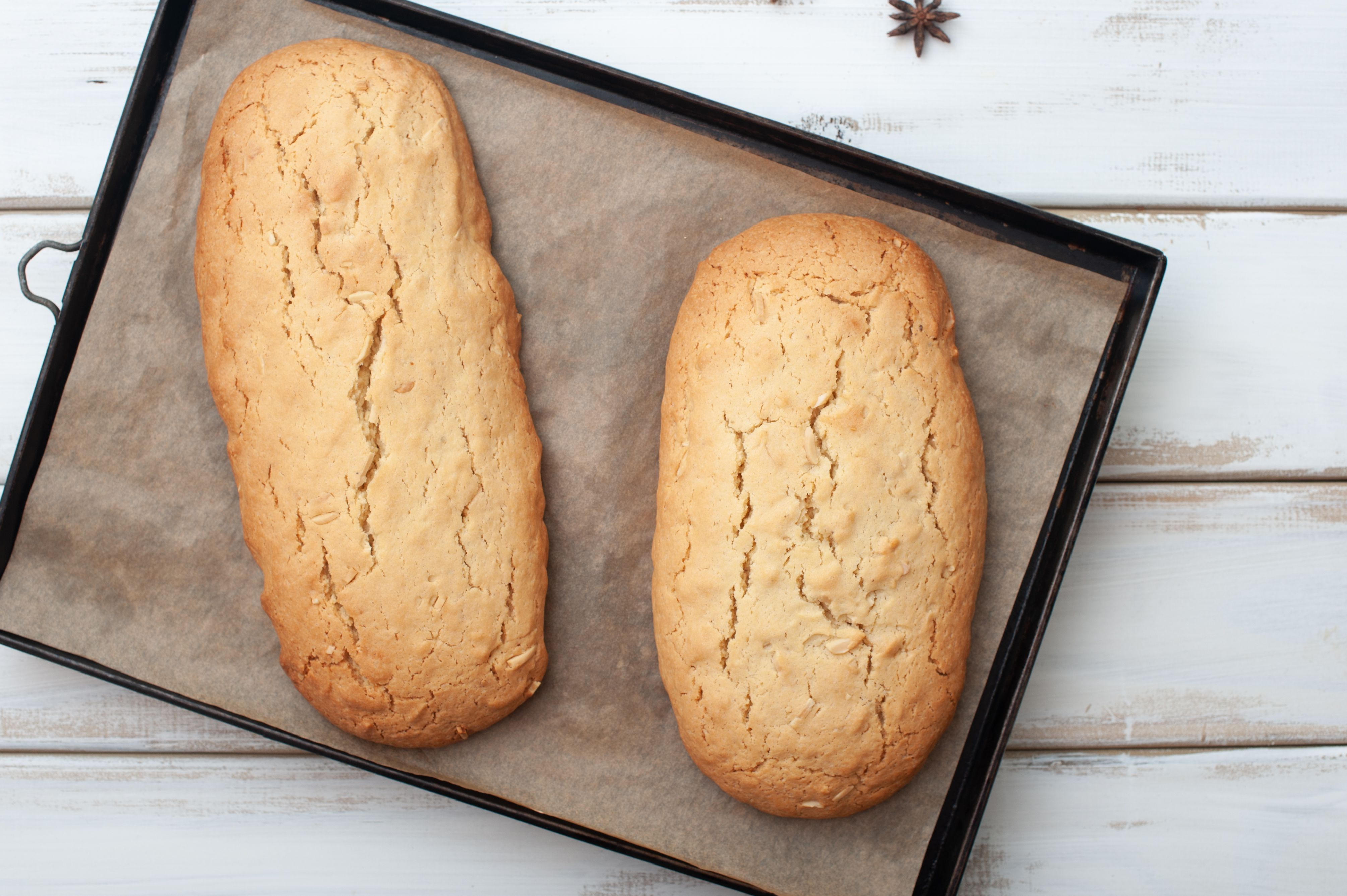 Bake biscotti