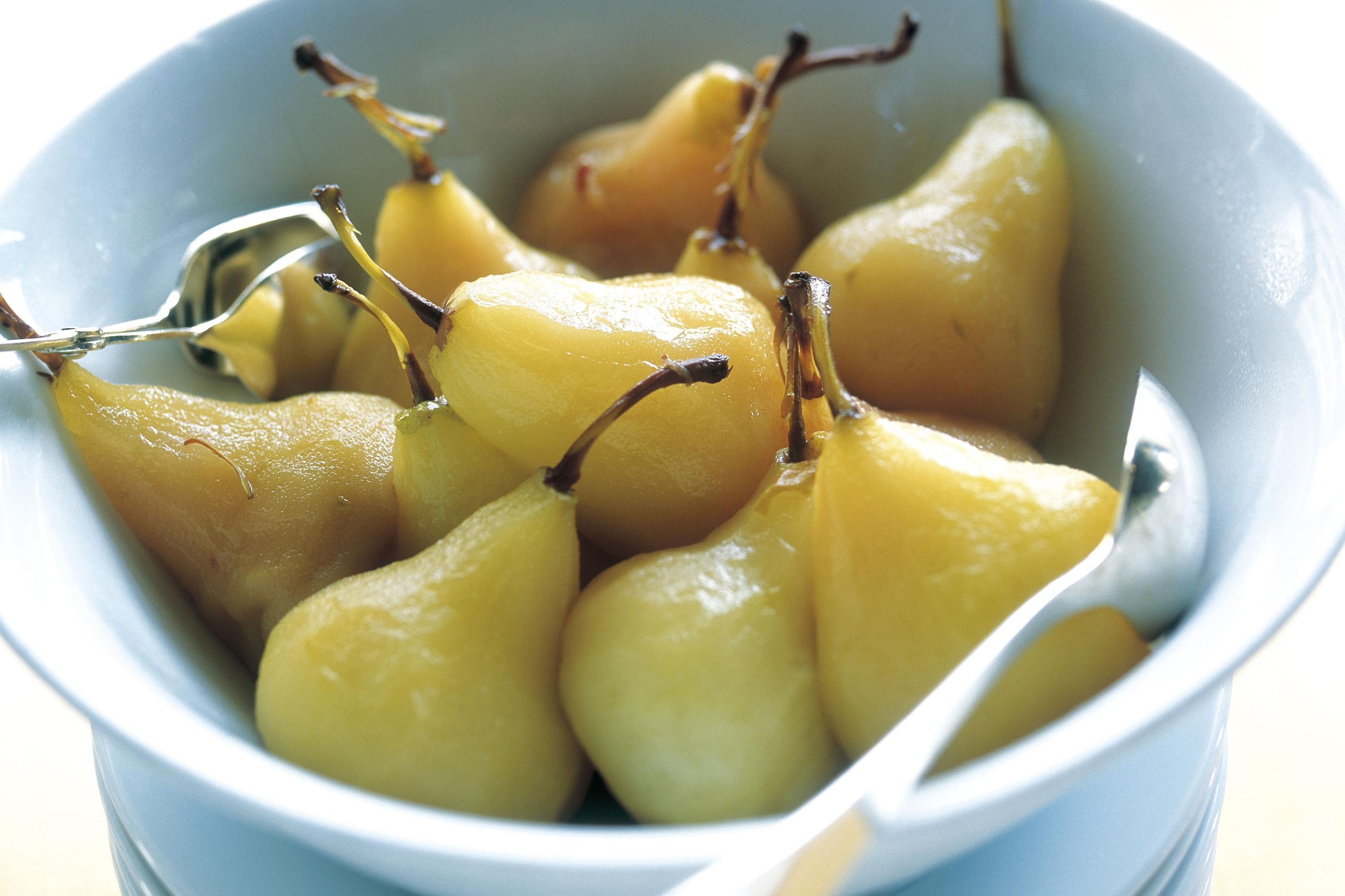 Classic Poached Pears in White Wine Recipe