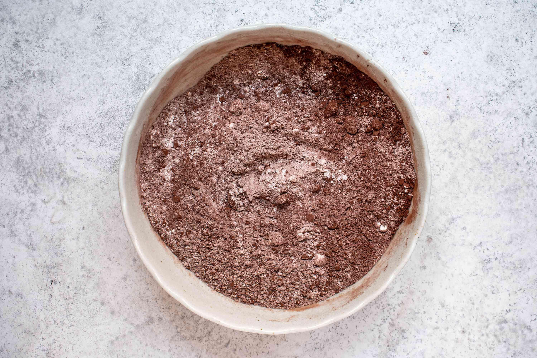 flour, cocoa powder, baking soda, and salt in a bowl