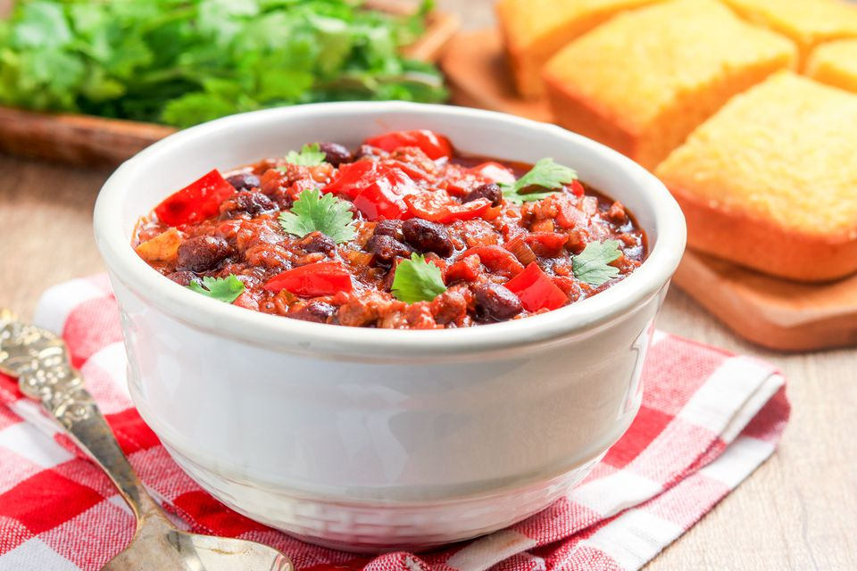 Slow cooker chili with ground beef and sausage
