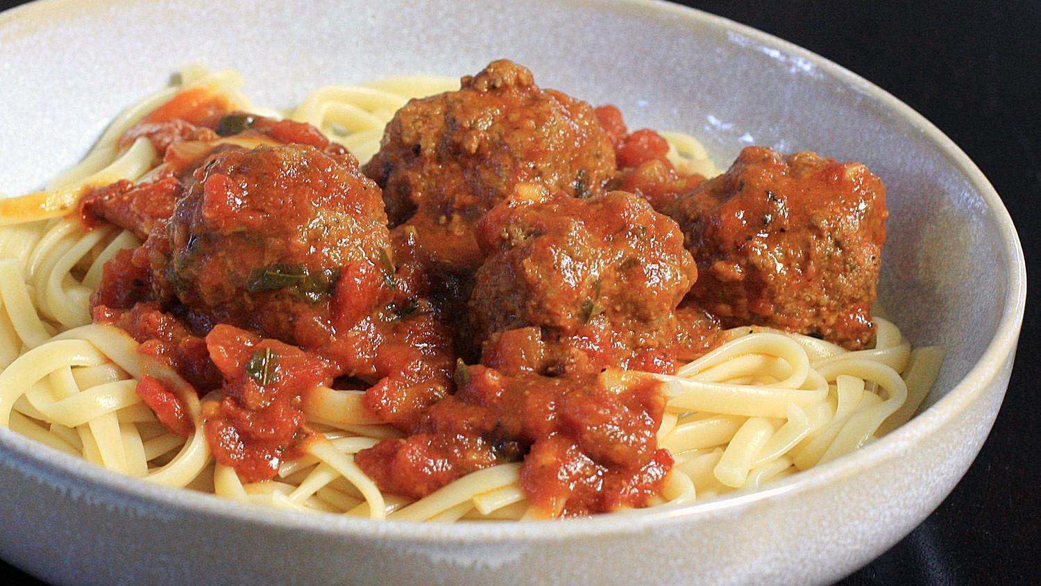 Hearty Meatball And Italian Sausage Sauce Recipe For A Crowd