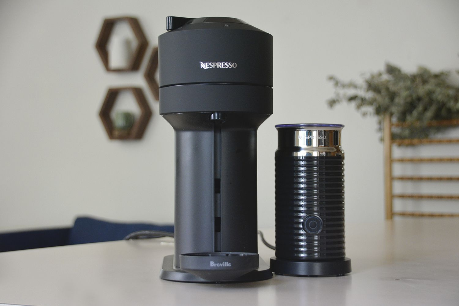 nespresso-vertuo-next-frother
