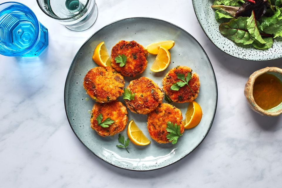Panko-crusted salmon cakes on a plate