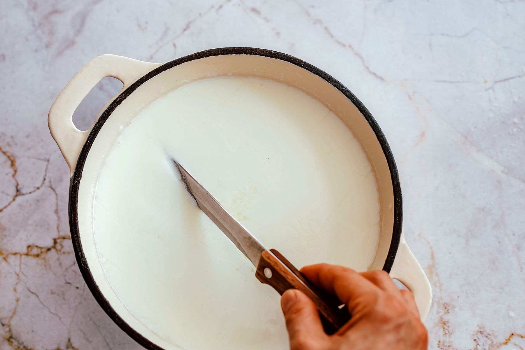 cut the curd in the pot