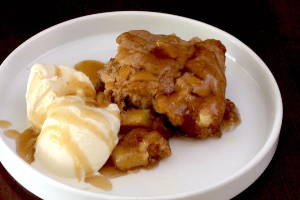 Baked apple pudding cake