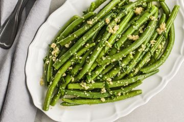 Green Bean and Garlic Sautée