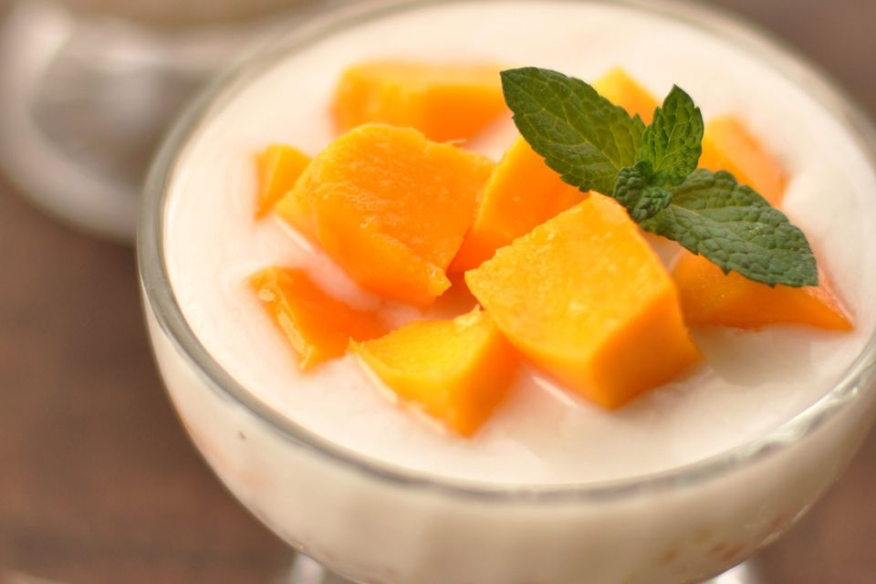 Mango and tapioca pearls