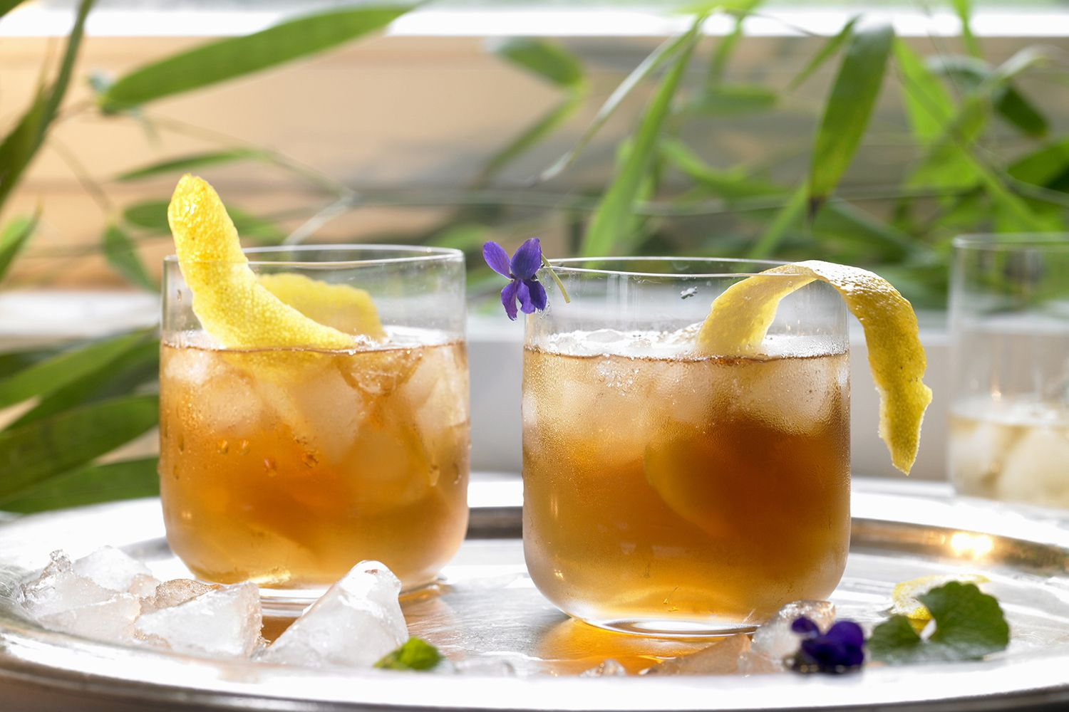 11 Refreshing Alcoholic Iced Tea Cocktail Recipes