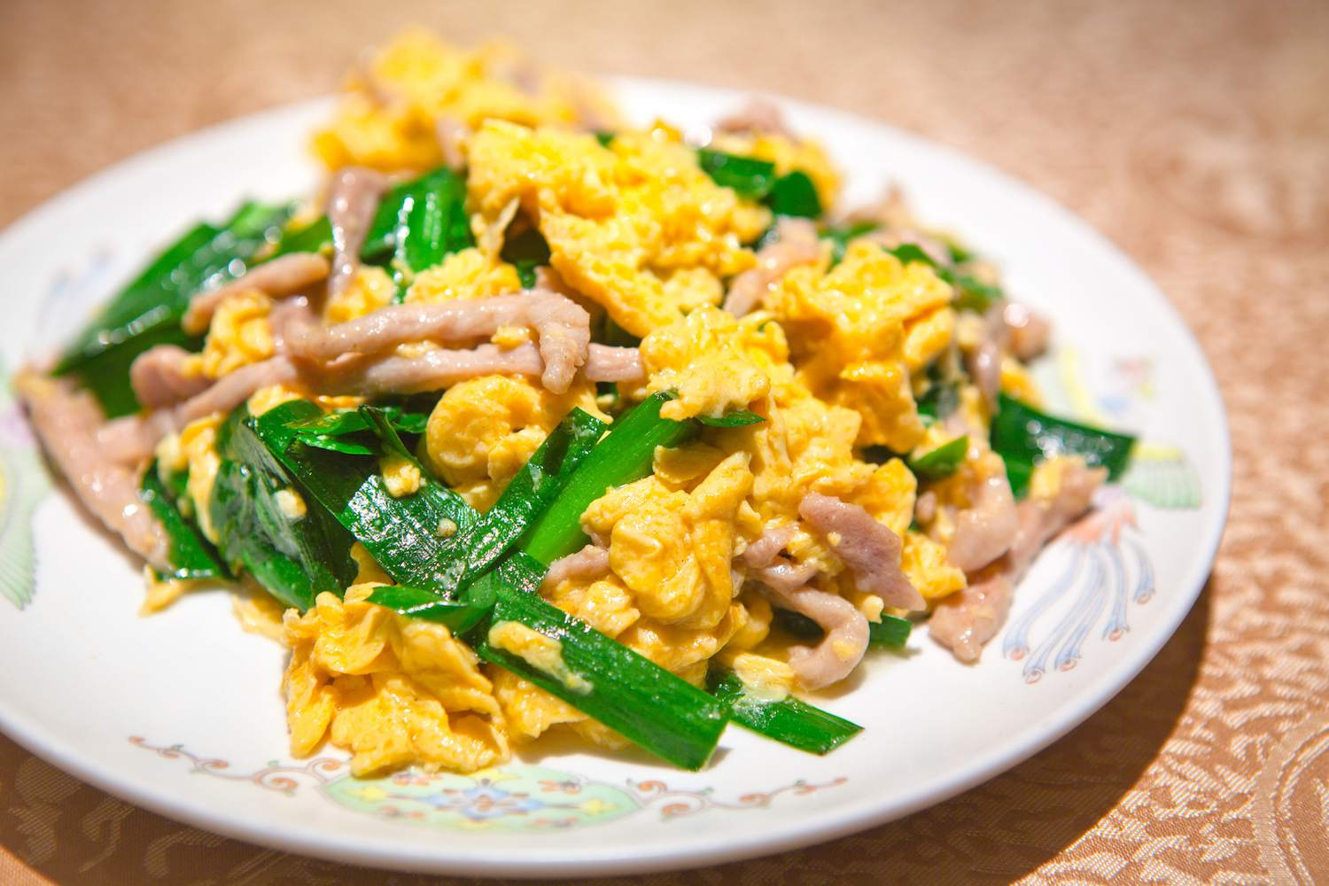 Scrambled Eggs with Chinese Chives and Shredded Pork