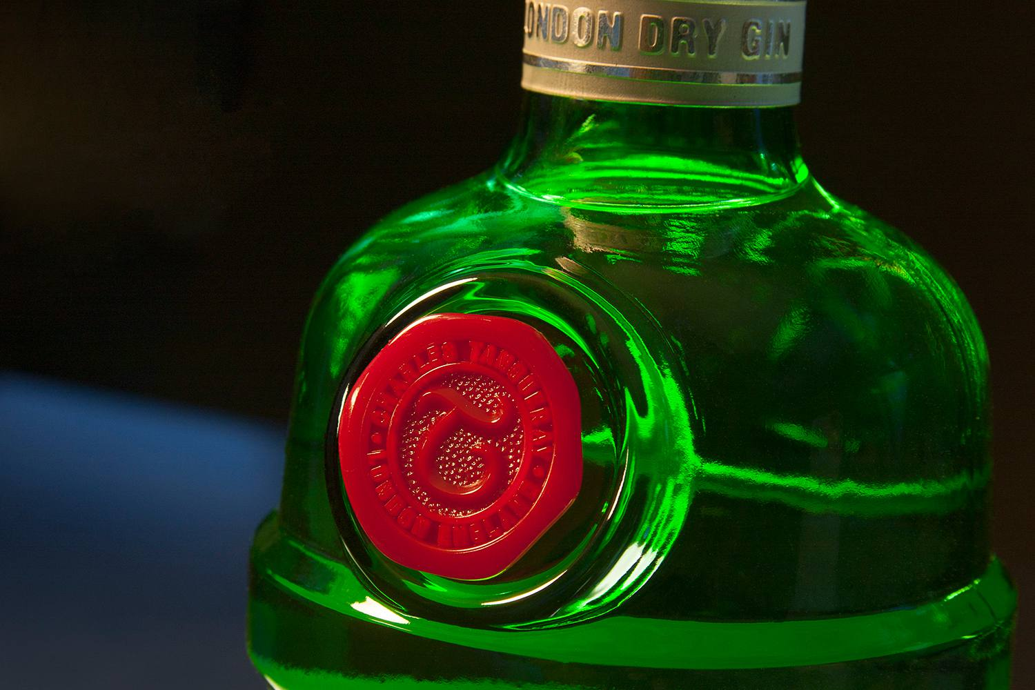 The iconic seal of Tanqueray London Dry Gin