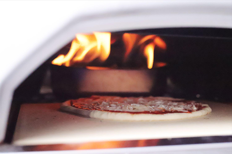ooni-karu-12-multi-fuel-pizza-oven-use
