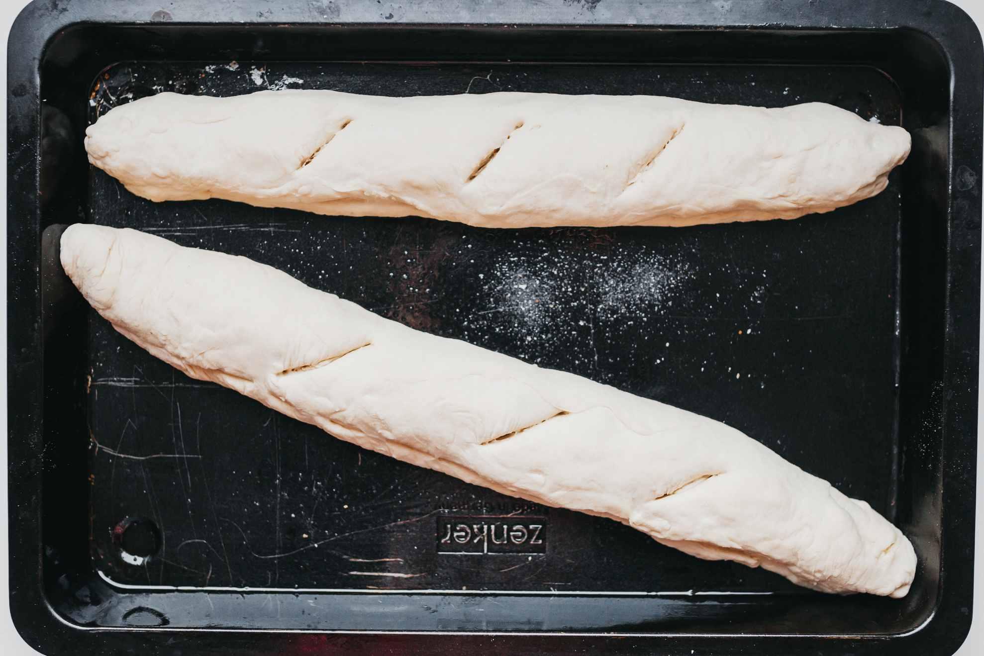 Score the bread