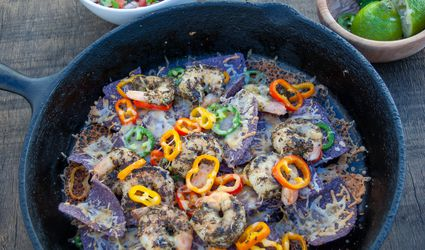 shrimp nachos with sweet and spicy peppers