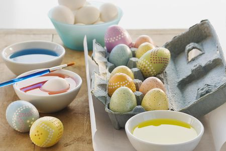 A Simple Guide To Coloring Easter Eggs With Vinegar