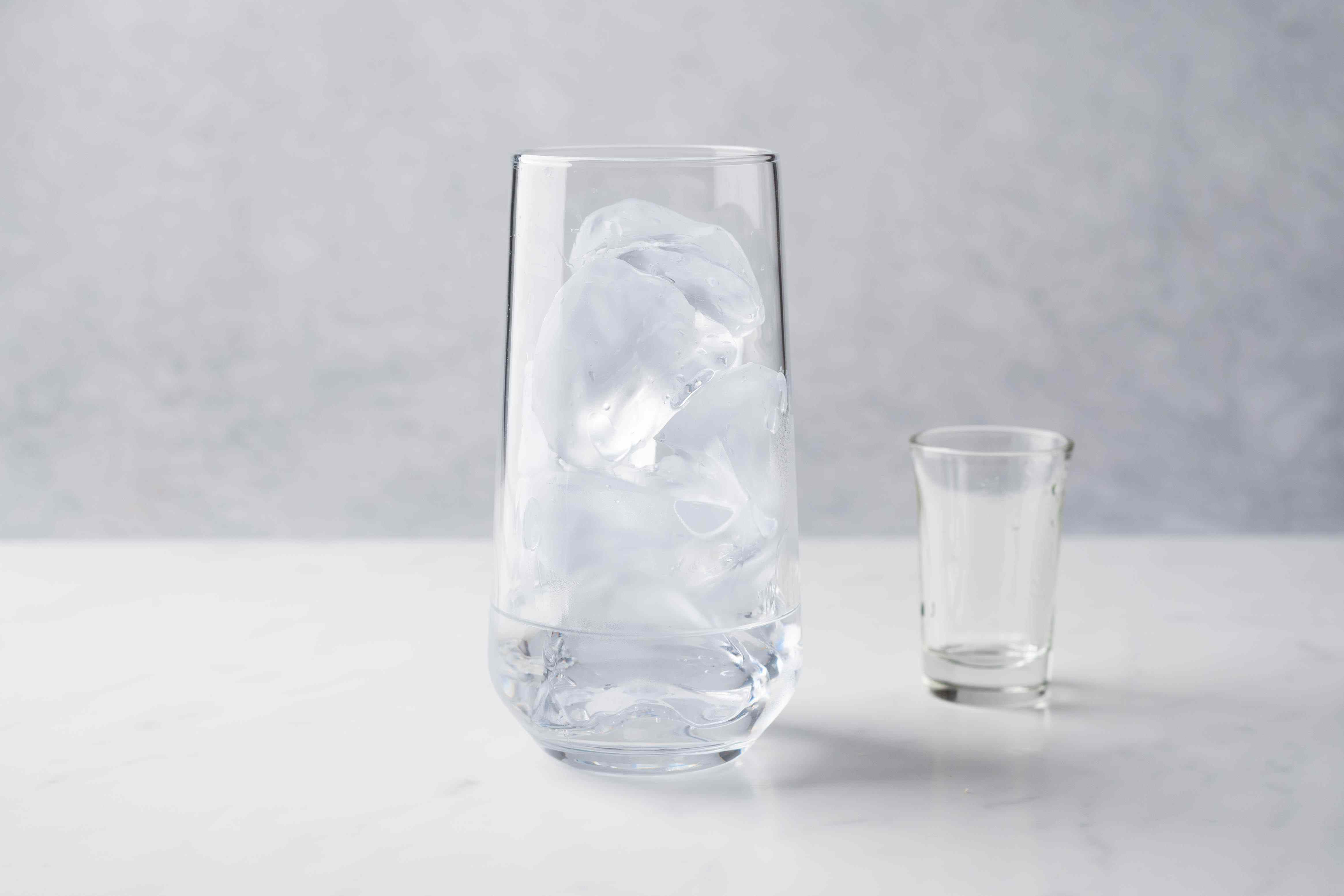 Pour the pisco over the ice
