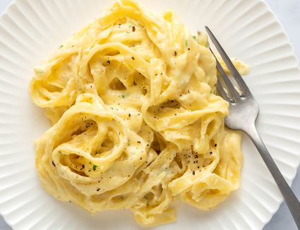 Simple, Decadent Alfredo Sauce: Cream, Butter, and Cheese