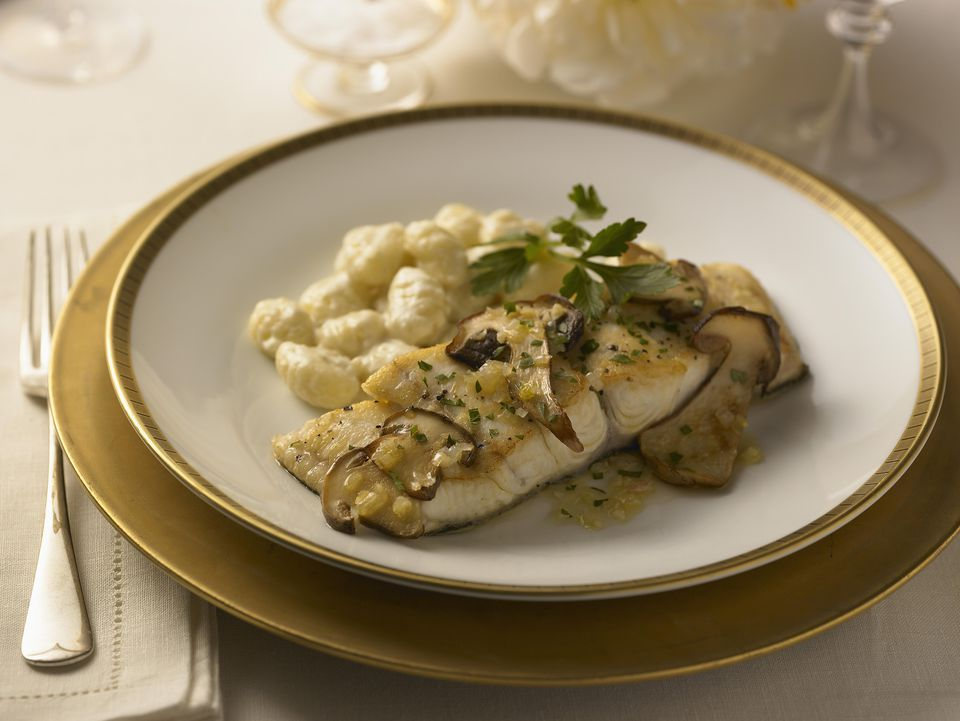 Fish fillets with mushroom sauce