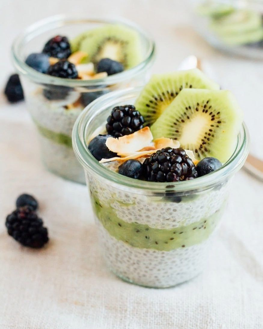 Kiwi chia pudding parfait - @eatingbirdfood