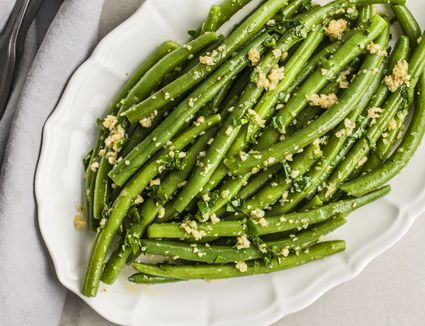 Easy Green Bean Sauté With Garlic (With Variations)