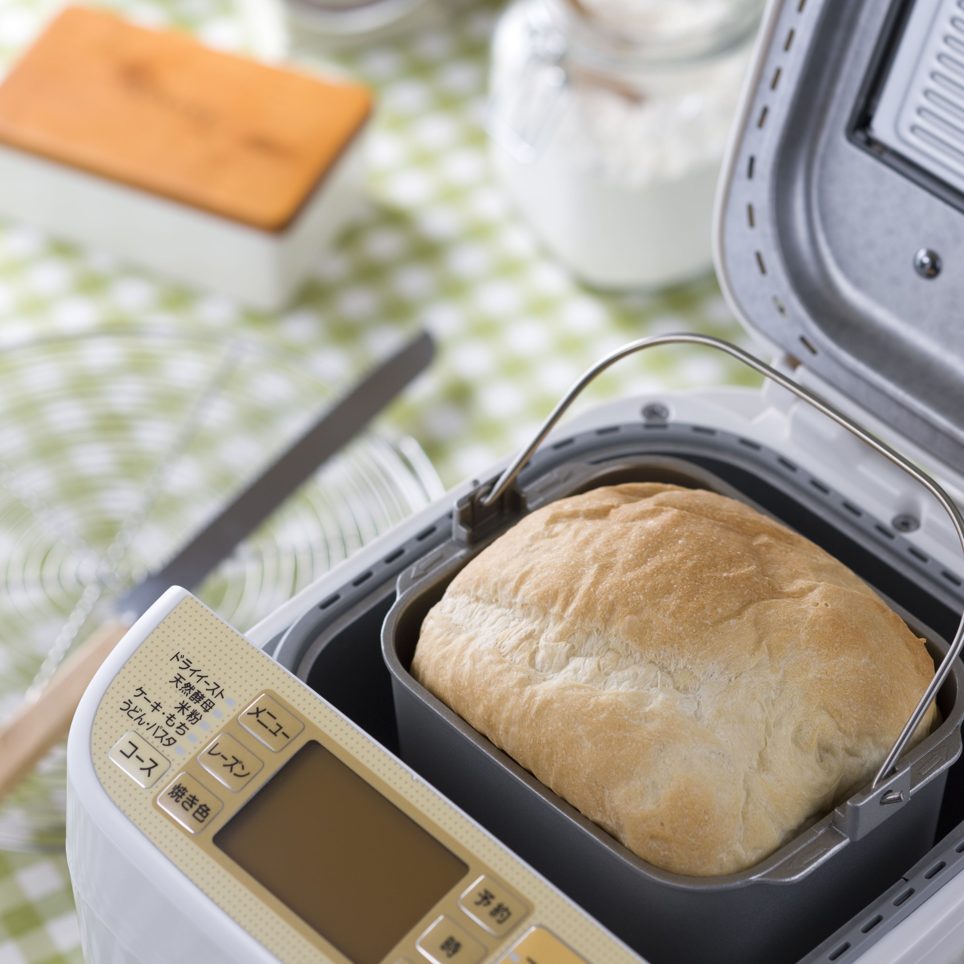 Bake Your Homemade Bread in the Machine vs. the Oven