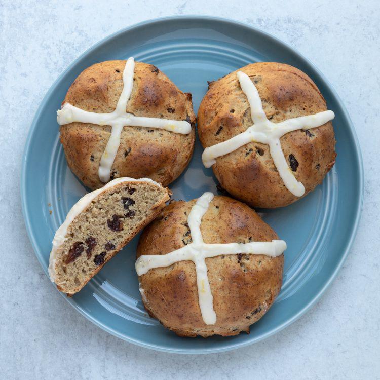 gluten-free hot cross buns with raisins and lemon
