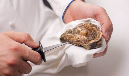 oyster-knives-shucking