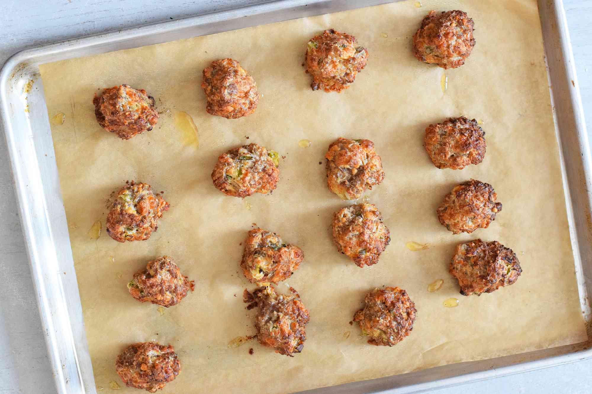 bisquick-sausage-balls-4778066-06