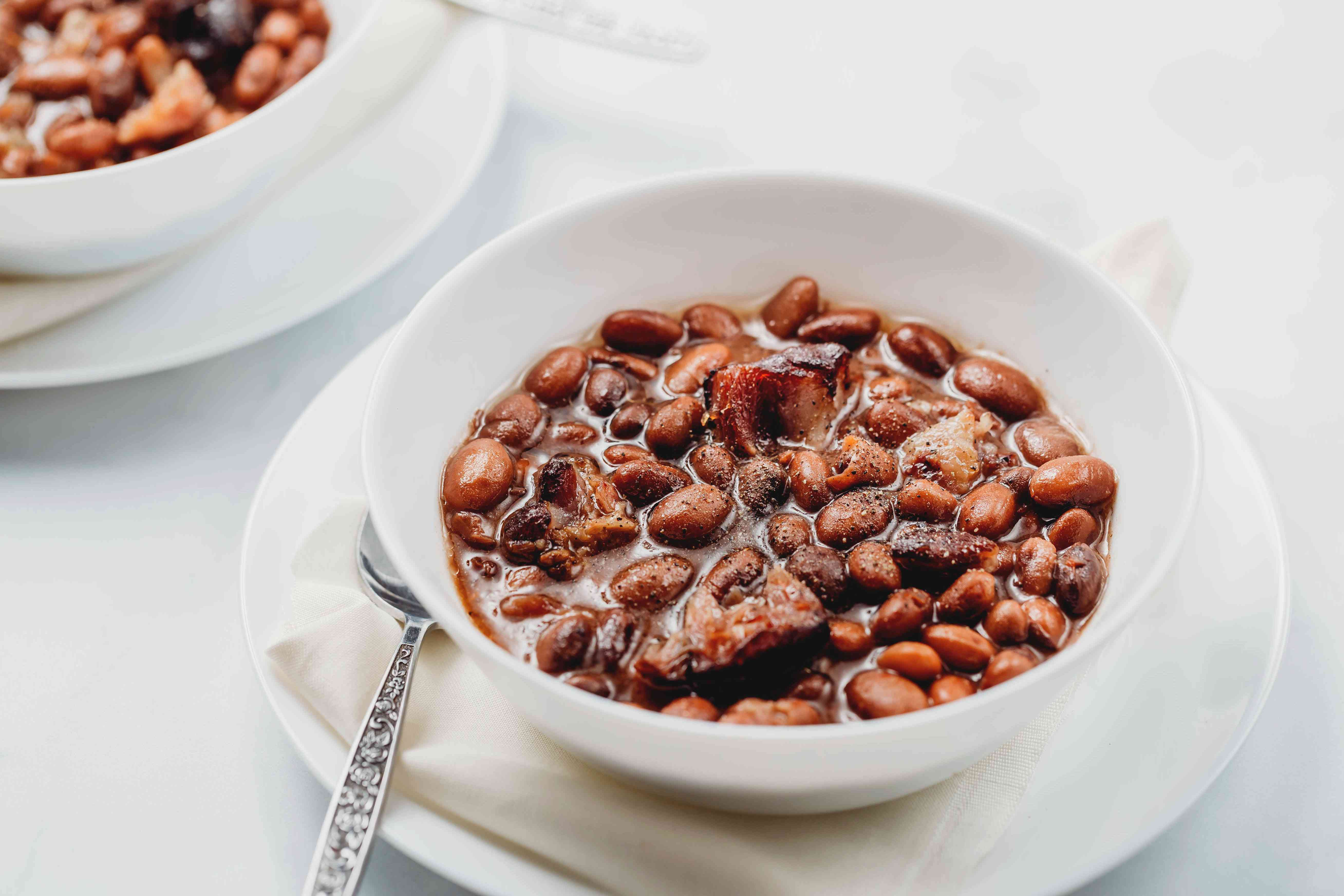Southern Crock Pot Pinto Beans With Ham Hocks