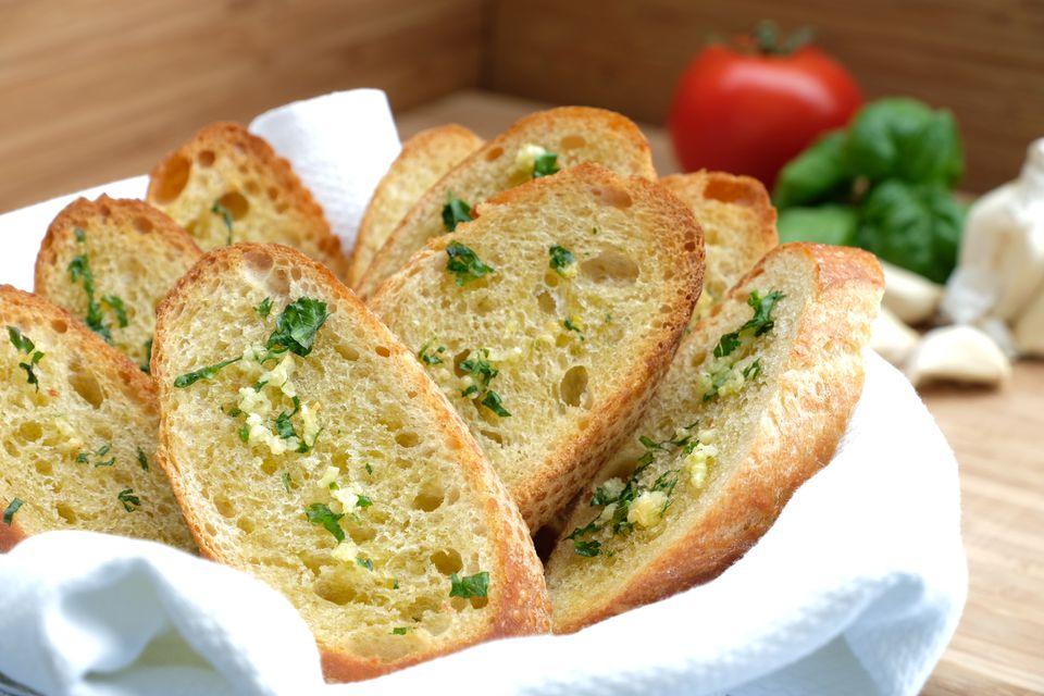 Pan de ajo con mantequilla de 15 minutos