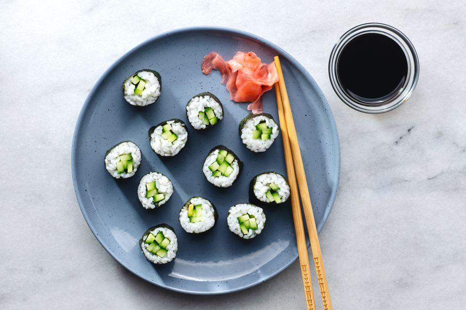 Kappamaki (Cucumber Sushi Roll)