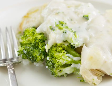 Healthy turkey divan with broccoli and rice