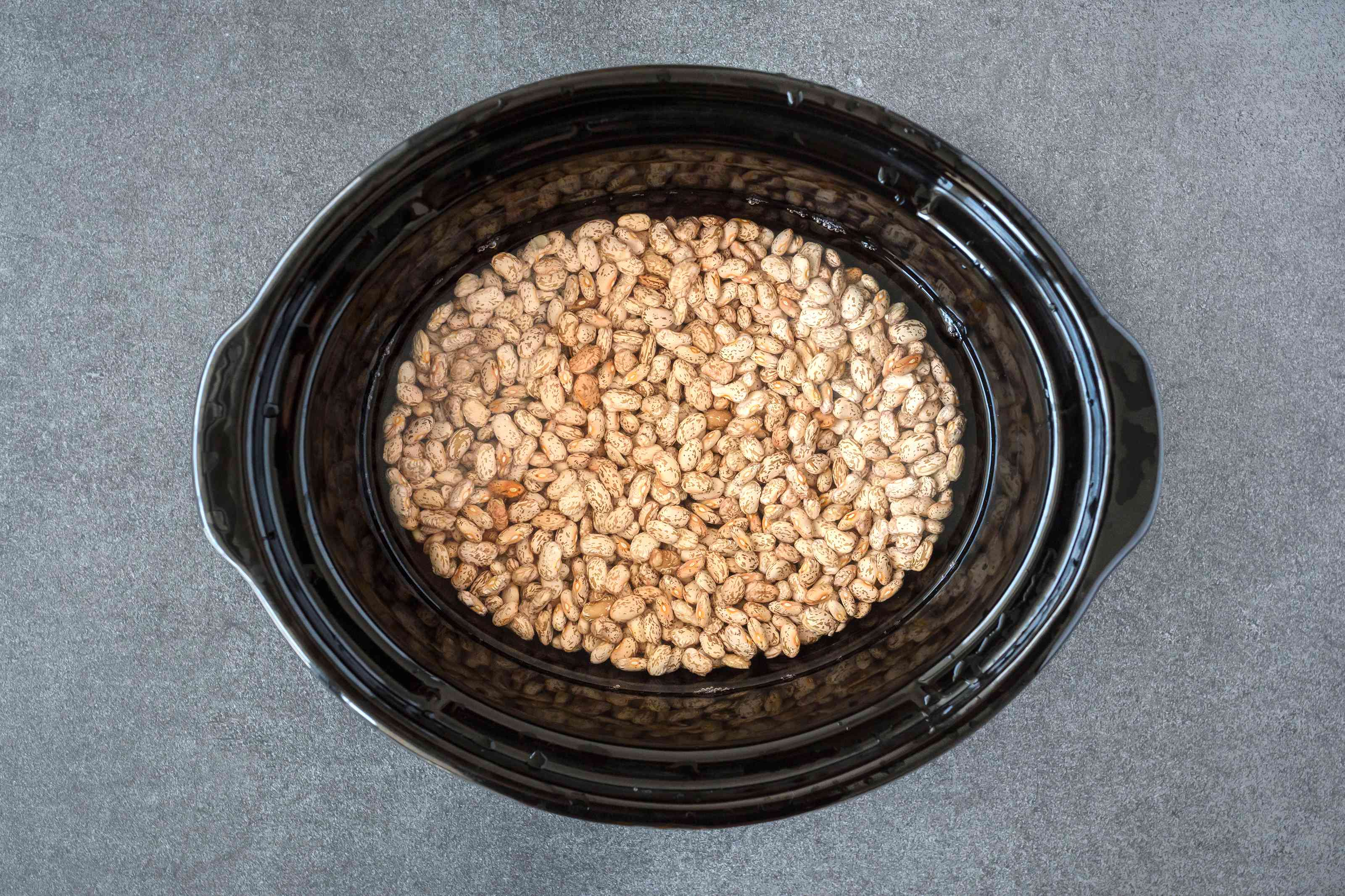 Pinto beans in slow cooker
