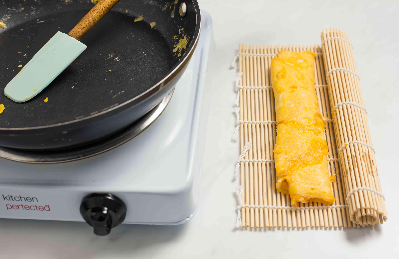 Shape on bamboo mat if using regular pan
