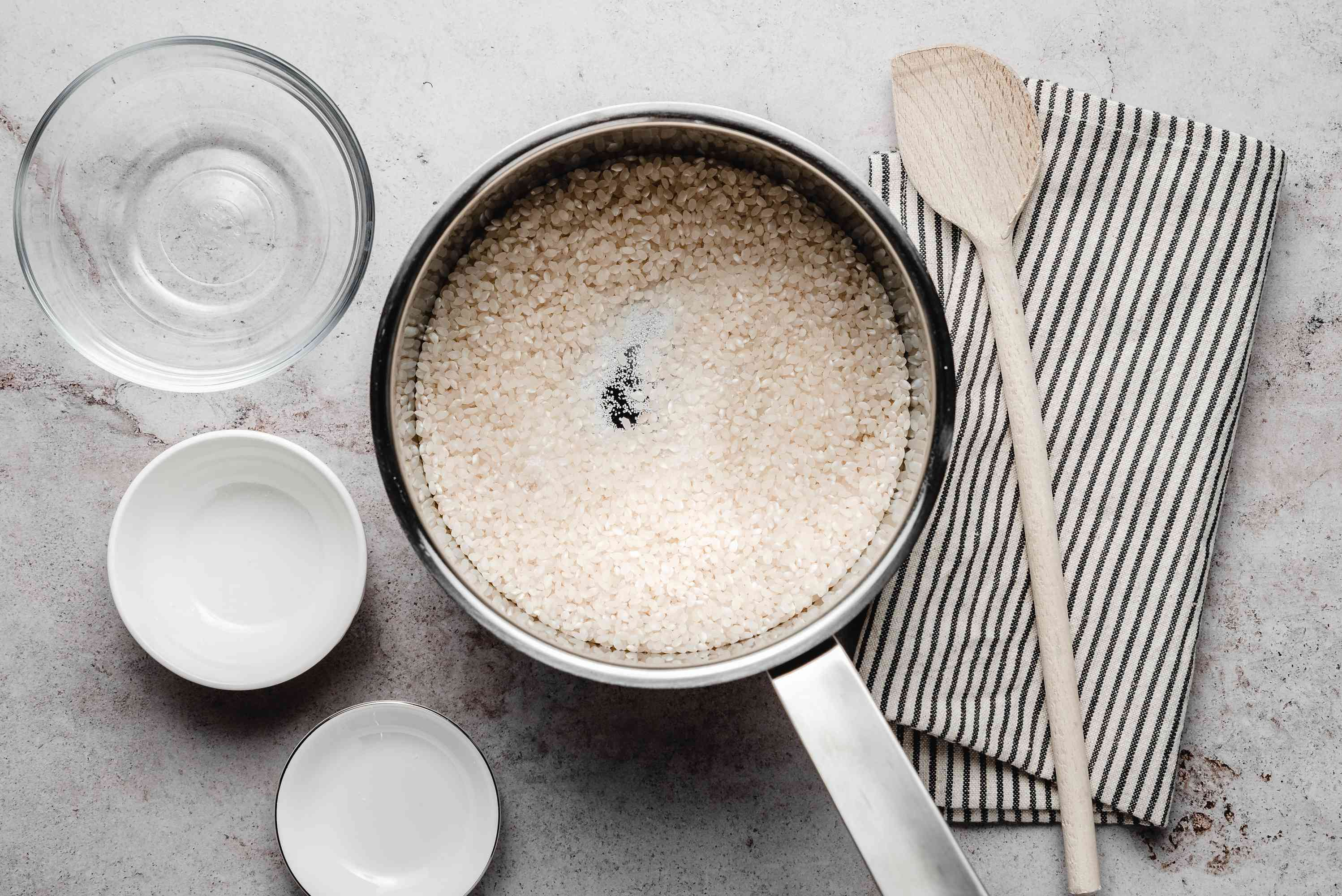 Rice in pot for rice pudding