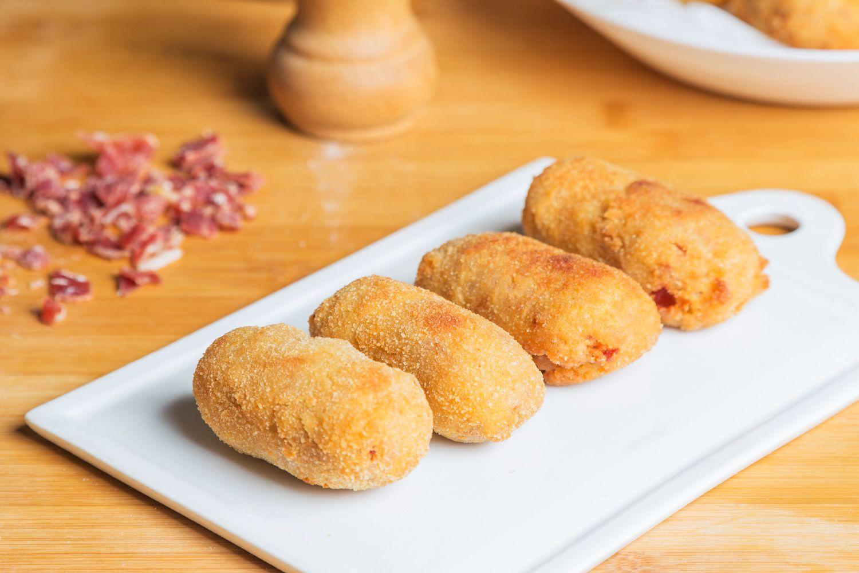 Spanish Ham Croquettes (Croquetas de Jamón)