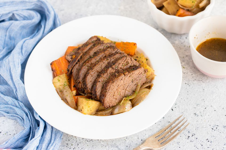 Tri-tip roast with vegetables