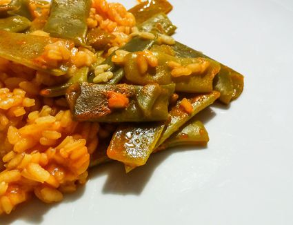 Detail of green bean and Spanish rice