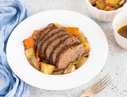 Tri-tip roast with vegetables