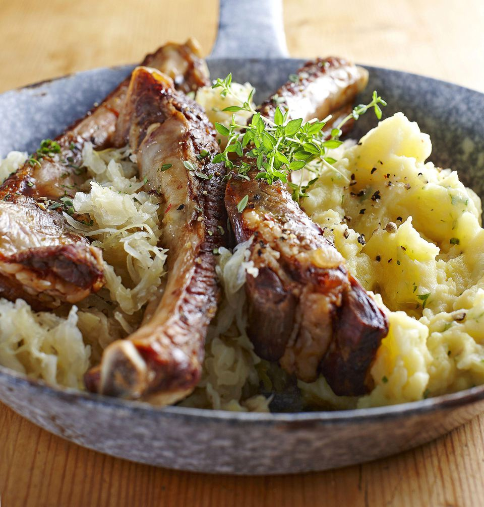 Country-style ribs with sauerkraut